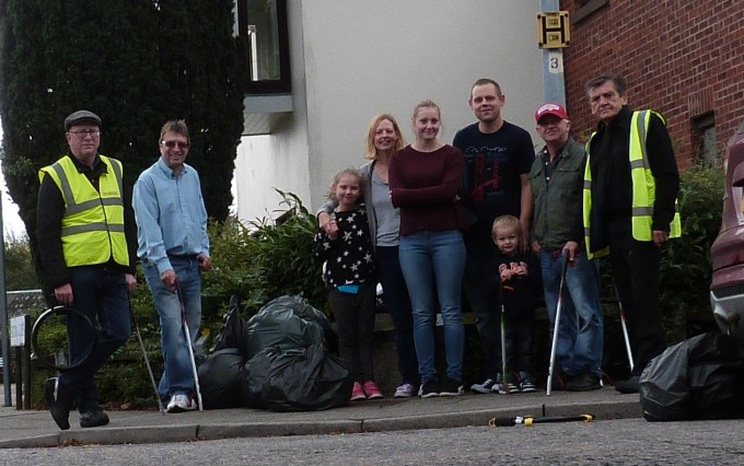 HOLT DRIVE LITTER PICK SEPT 17