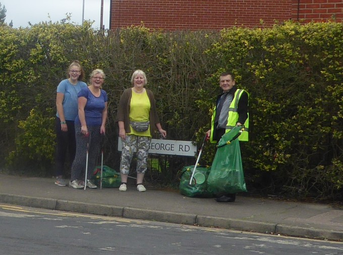 litter pick king george road